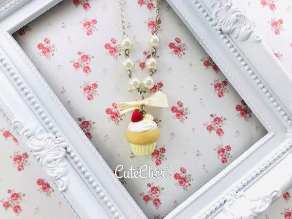 Collana cupcake alle fragole