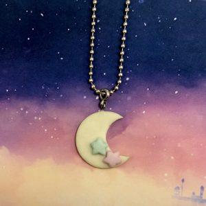 Luna e stelle luminose
